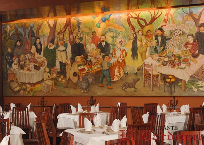 detalle-del-interior-con-su-mural-696x495